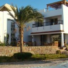 4 bedroom beachfront detached villa in Golden Sands 365,000 euro ono